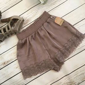 Satin lace trim Flowy shorts